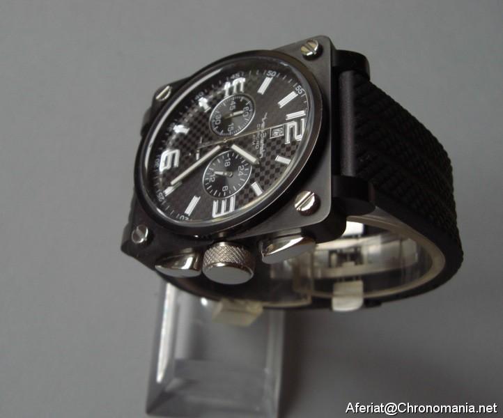 cabfc145f1 Chronomania - Je recherche une montre automatique carrée style B&R.